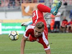 Fotbalista Miloš Kratochvíl.