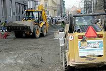 Brňané si stěžují, že staveniště v Joštově ulici je nepřehledné a nebezpečné.