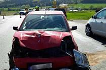 Nehoda na silnici 385 u Čebína na Brněnsku se neobešla bez zranění.