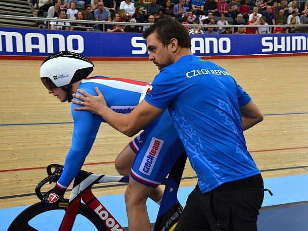 Trenér dráhových cyklistů Dukly Brno Petr Klimeš na mistrovství světa v Londýně.