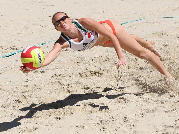 Mezinárodní turnaj v beachvolejbalu.