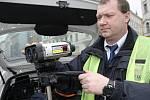 Redaktor Brněnského deníku Rovnost si jeden den vyzkoušel práci dispečera dopravního podniku.