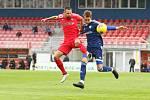 Fotbalisté Zbrojovky (na snímku v červených dresech) v prvním přípravném klání deklasovali Uničov 6:0.