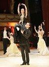 V brněnském Mahenově divadle se konal první ročník Plesu před oponou.