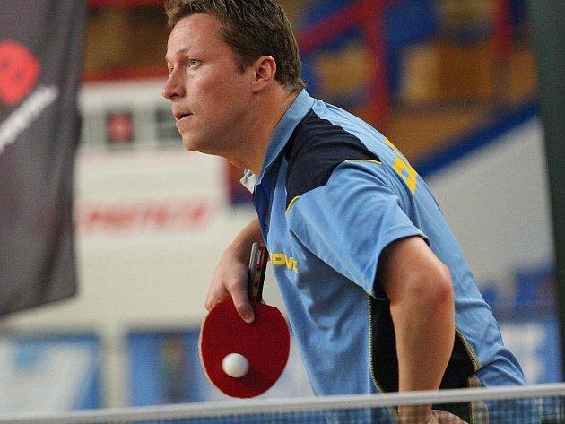 V brněnské hale Rosnička bavil svým uměním diváky olympijský vítěz a šestinásobný mistr světa, Švéd Jan Ove Waldner. Parťáka mu dělal neméně slavný Jürgen Persson.