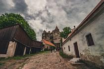Výlet na Pernšetjn nikdy nezklame. Výletníky čeká hrad, obnovená zahrada a kouzelná okolní příroda.