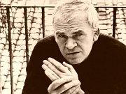 Spisovatel Milan Kundera žije od roku 1975 ve Francii.