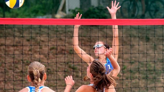 Juniorky na Sokoláku vyhrály Středoevropský pohár v beachvolejbale.