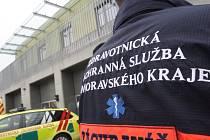 S popáleninami druhého stupně skončil ve Fakultní nemocnici Brno po požáru v brněnském bytě mladý muž.