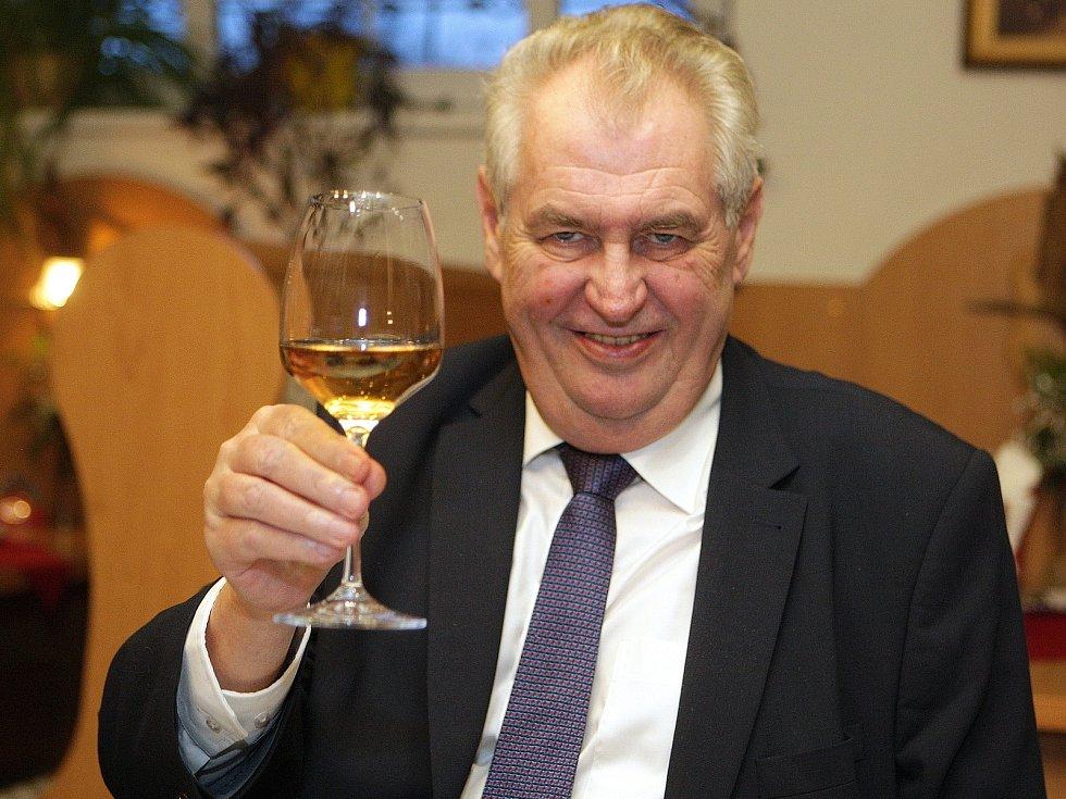 Prezident Zeman při návštěvě jižní Moravy.