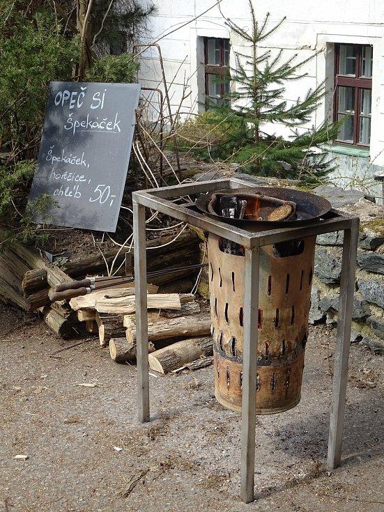 Na cestě z Bystrce do Žebětína čeká pozorné výletníky a milovníky fotografování spousta pěkných záběrů.