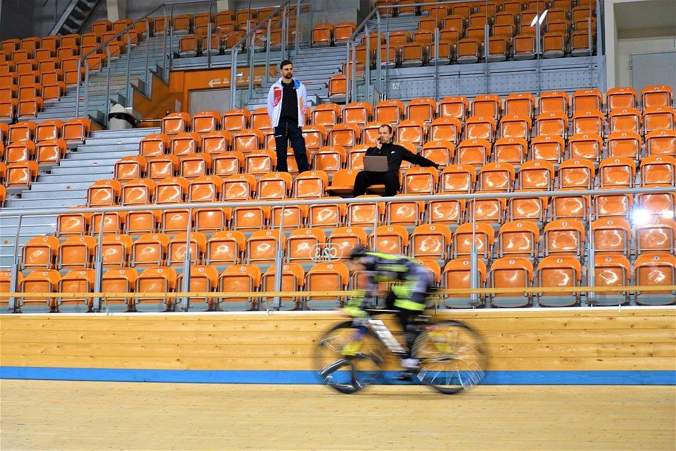 Dráhoví cyklisté brněnské Dukly (trenéři Petr Klimeš a Lubomír Vojta) strávili další dva týdny na soustředění v Bulharsku.