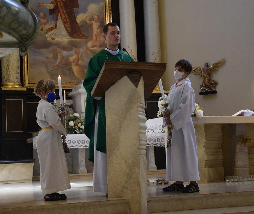 V hodonínském kostele svatého Vavřince sloužil děkan Josef Zouhar bohoslužbu za všechny, které postihlo řádění tornáda.
