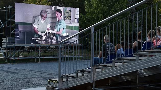 Tip Deníku: Letní kino na hradě zahájí Hercule Poirot