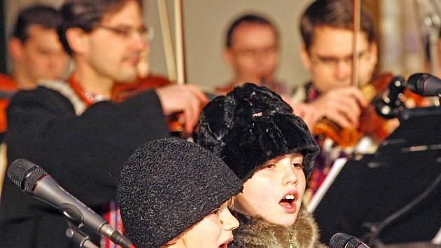 Tradiční vánoční vystoupení Vojenského uměleckého souboru Ondráš.