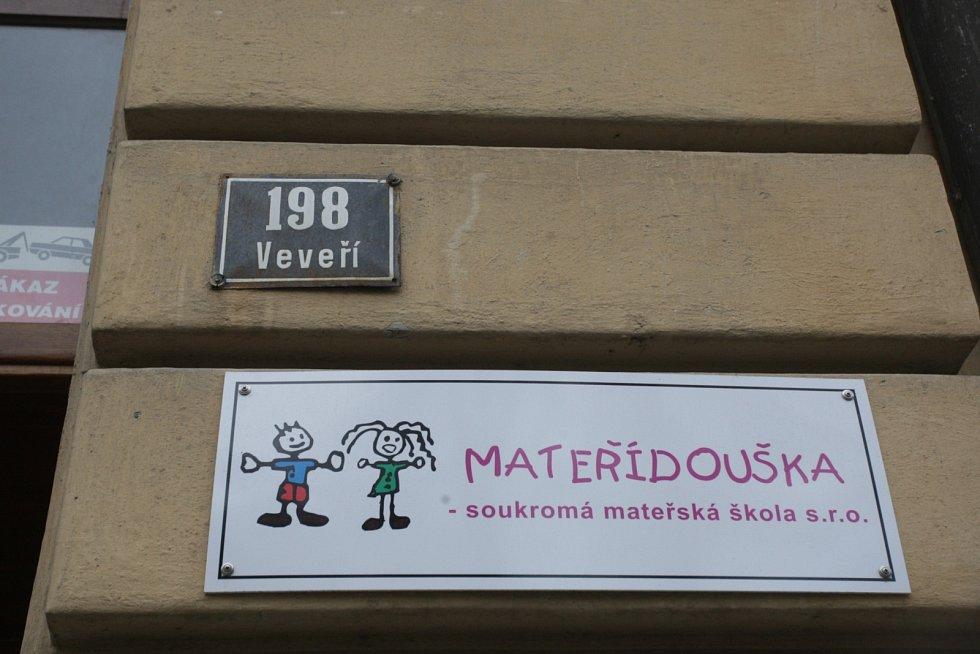Hrozba útoku se týkala anglických školek v různých městských částech Brna.