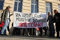 Brněnští učitelé odjíždějí protestovat do Prahy.