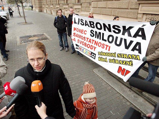 Předsedkyně Národní strany Petra Edelmannová.