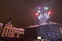 Ohňostroj na Dominikánském náměstí v Brně.