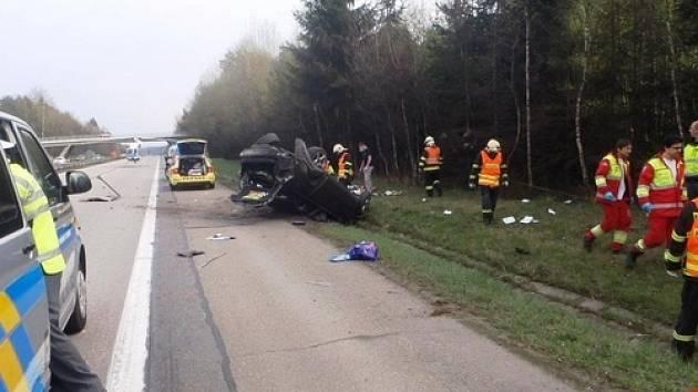 Nehoda na D1 u Lesní Hluboké.