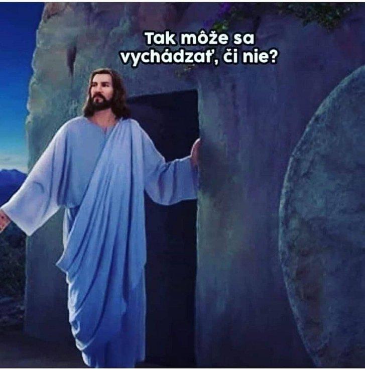 Měsíc karantény a Velikonoce. Lidé neschází humor v době koronavirové na internetu a sociálních sítích.