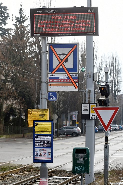 Začaly dlouhodobé tramvajové výluky v ulicích Lesnická a Žabovřeská.