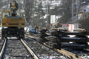 Čilý stavební ruch v brněnské ulici Žabovřeská, kde pracují na další fázi stavby velkého městského okruhu.