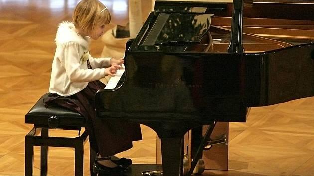 V Besedním domě se uskutečnila Mezinárodní Mozartovská soutěž pro mladé klavíristy do 11 let.