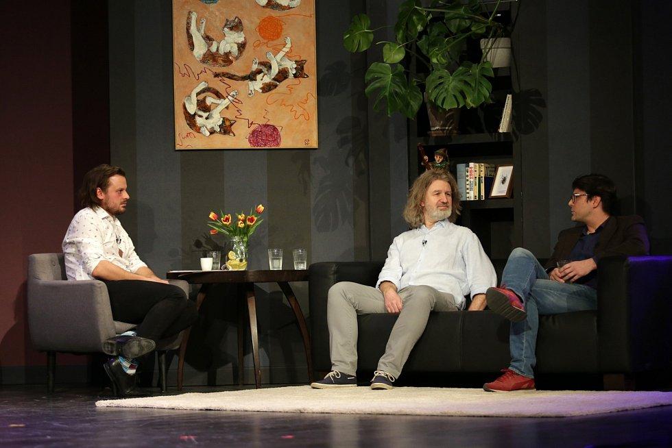 Debata moderátora Filipa Tellera se zakladatelem zravotních klaunů Petrem Jarčevským a lékařem Petrem Lokajem.