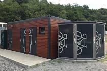 V Mokré-Horákově otevřou nový bikepoint. Cyklistům i pěším nabídne veřejný gril, uzamykatelné boxy a toalety.