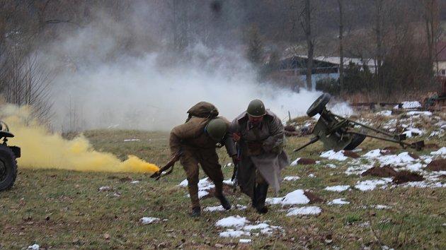 Nadšenci vojenské historie předvedli ve Skalici nad Svitavou rekonstrukci bitvy z 2. světové války.