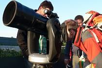 Na pozorování Venuše přišlo do brněnské hvězdárny pět set lidí.