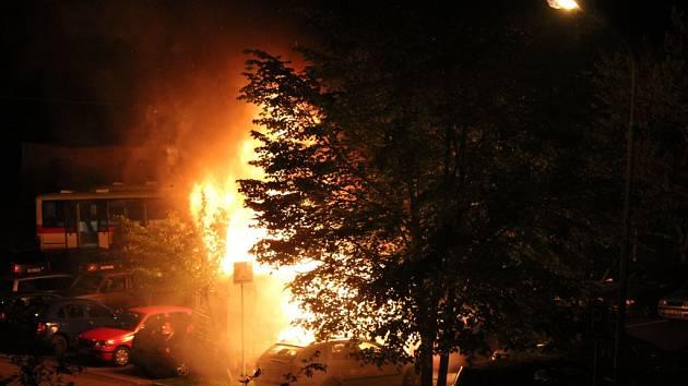 Požár v Černého ulici v brněnské Bystrci.