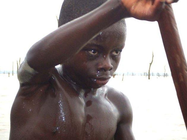 Snímek reportéra BBC Rageha Omaara nazvaný Děti v otroctví zachycuje příběhy dětí ze zemí třetího světa.
