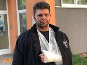 Strážník Petr Čermák holýma rukama odzbrojil lupiče v pohodě