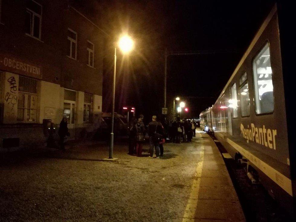Ve vlaku, který jel večer 22. září z Brna směrem na Blansko, se stala vražda.