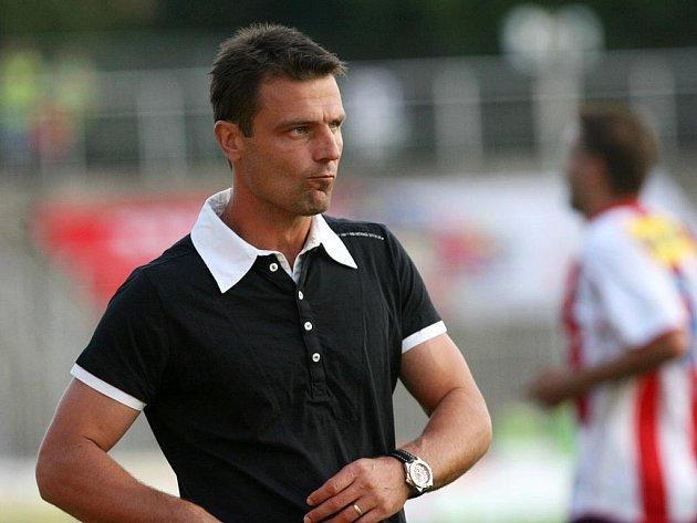 Kouči brněnské Zbrojovky René Wagnerovi jde v zápase proti Znojmu o angažmá.