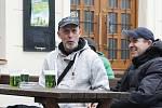 Desetiletá tradice. Na Zelený čtvrtek teklo v Brně proudem pivo zbarvené do zelena.