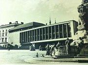 Tržnice na Zelném trhu v 50. letech 20. století.
