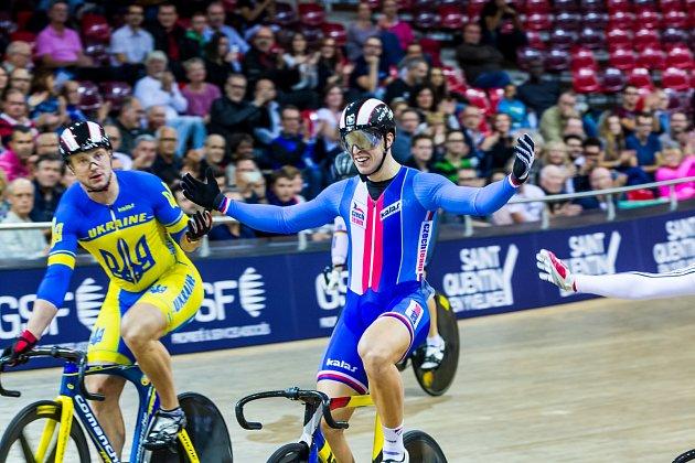 Takhle se brněnský dráhový cyklista Tomáš Bábek radoval před rokem po vítězství ve finále keirinu na mistrovství Evropy v Paříží.