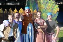 HISTORIE S HUMOREM. Autorská inscenace Staré pověsti české z roku 2002 patří k nejúspěšnějším titulům Divadelního spolku Čebín. O pět let později jihomoravští ochotníci nastudovali pokračování a na rok 2012 soubor plánuje uvést další třetí díl.