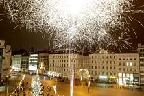 Oslavy příchodu roku 2016 v Brně na náměstí Svobody.