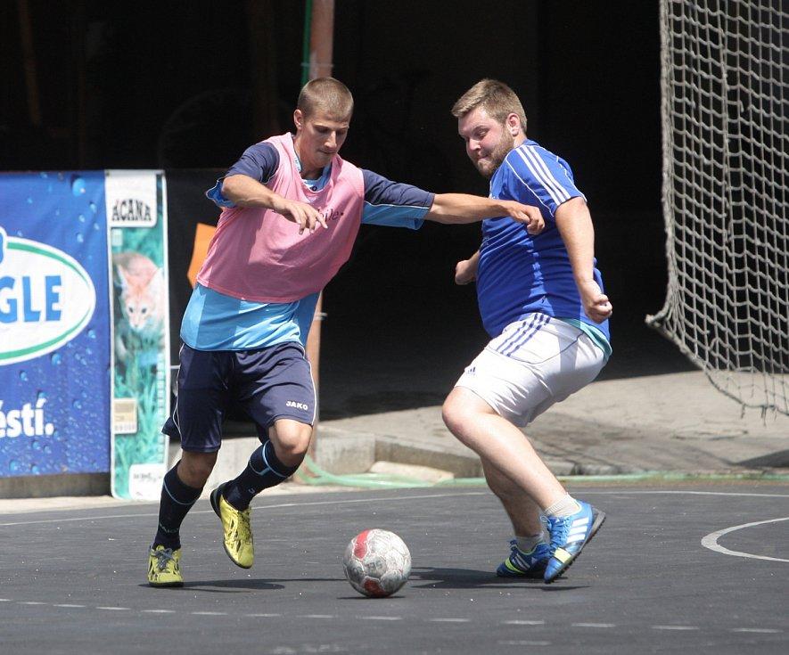 Největší a nejstarší futsalový turnaj na jižní Moravě Saňař Cup v Sokolnicích ovládl Kalvec Team.