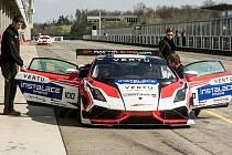 Brněnský automobilový tým Mičánek Motosport vstoupí do seriálu závodů Carbonia Cup s novými Lamborghini.