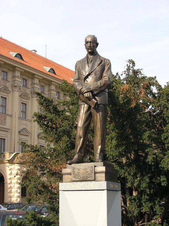Zaslouží si prezident Beneš sochu v Brně stejně jako je tahle v Praze?