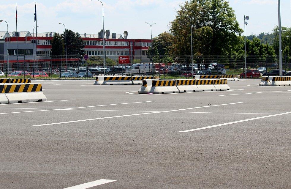 Parkoviště typu park and ride v brněnské Líšni je využívané zatím jen minimálně.