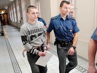 Žebětínský střelec Lukáš Minařík u soudu.