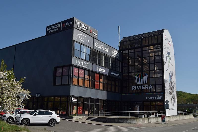 Budova bývalého tuzexu u brněnského výstaviště.