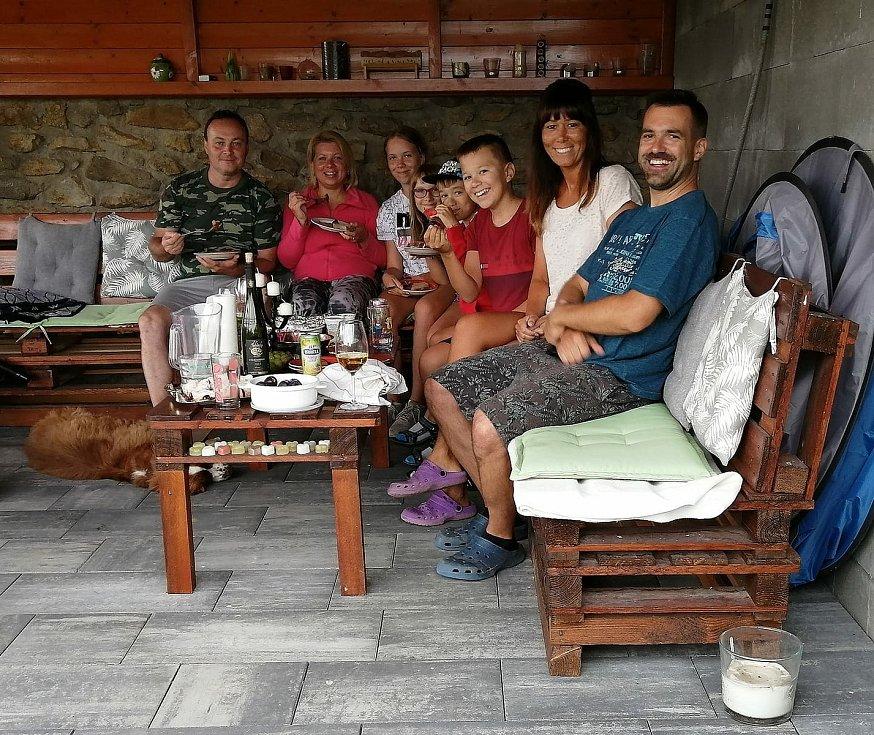 Společně proti samotě se na pikniku sešli lidé také v Hlubokých Mašůvkách na Znojemsku.