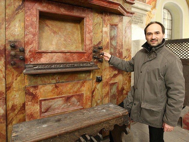 Přes padesát let varhany v brněnské Loretě nevydaly ani hlásku. Minorité jim však nyní chtějí vdechnout nový život. Jde totiž o velmi cenný nástroj, který patří k nejstarším v celém Brně.